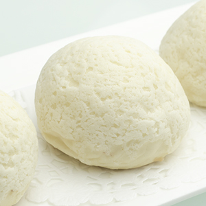 Baked almond creamy paste buns